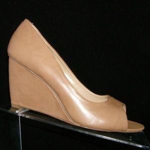 Nine West 'Park' beige leather peep toe wedges 8M